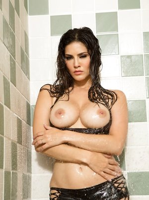 Granny in Shower Pictures