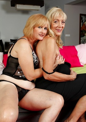 Mature Lesbian Humping Pictures