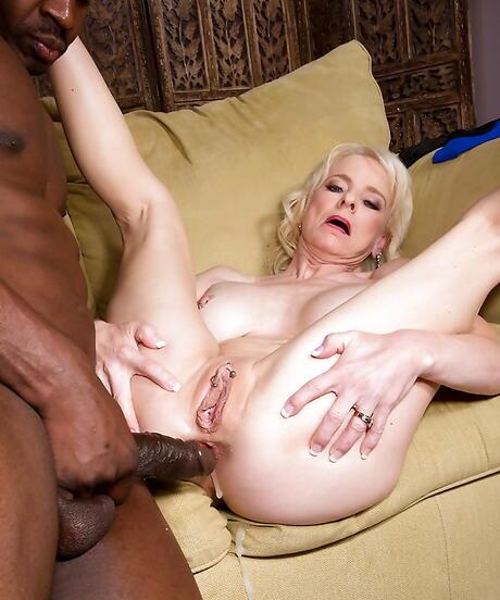 Interracial Granny Sex Pictures