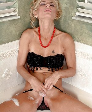 Wet Granny Pussy Pictures