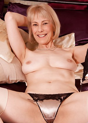 Mature Camel Toe Pictures