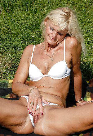 Small Tits Granny Pictures