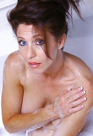 Granny in Bath Pictures