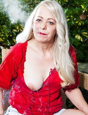 Smoking Granny Pictures