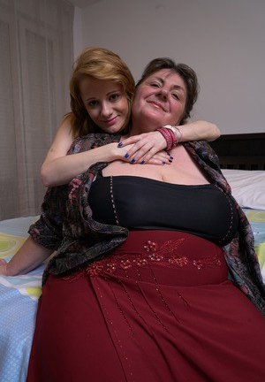 Mom and Girl Pictures