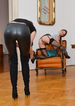 Granny in Latex Pictures